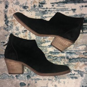 Dolce Vita Black Suede Booties Size 7